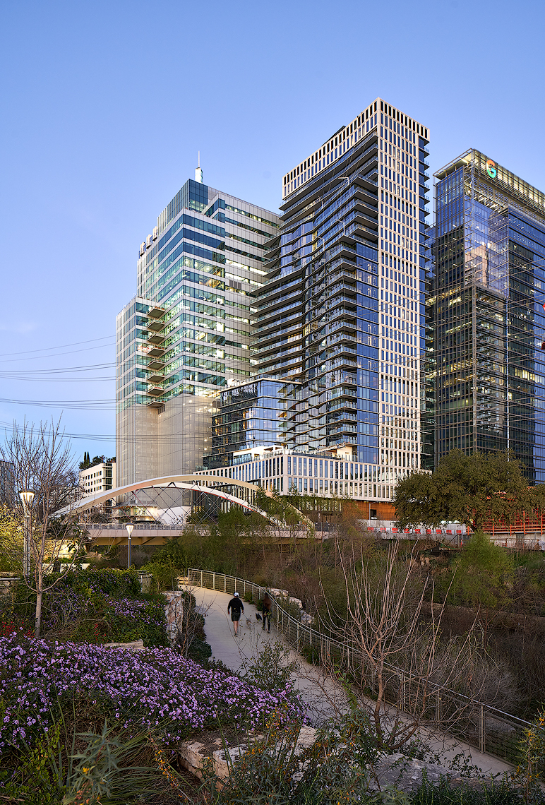 Proper Hotel and Residence Austin texas by Handel Architects and Dror Baldinger Photography