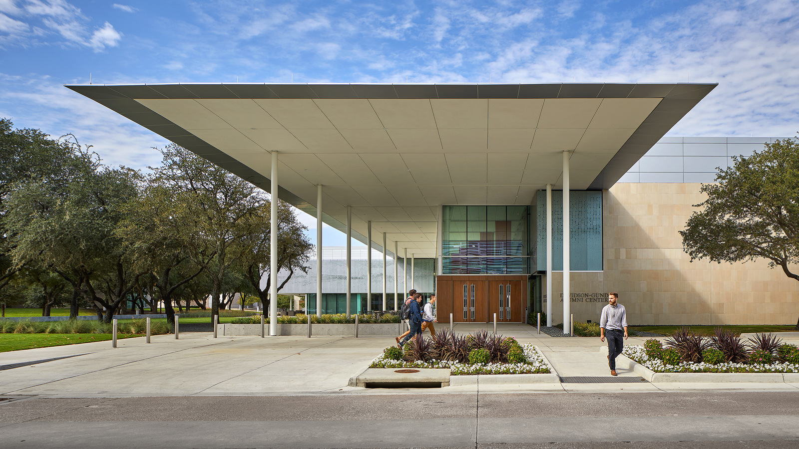 dror baldinger faia Architectural photography ut dallas alumni center stone metal canopy
